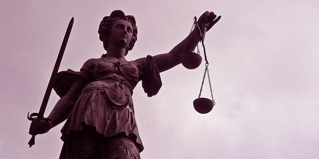 Justitia, Gerechtigkeit, weiblich, Frauenquote, Männerquote, Justiz, Frauen, Richterin, Staatsanwältin, Staatsdienst