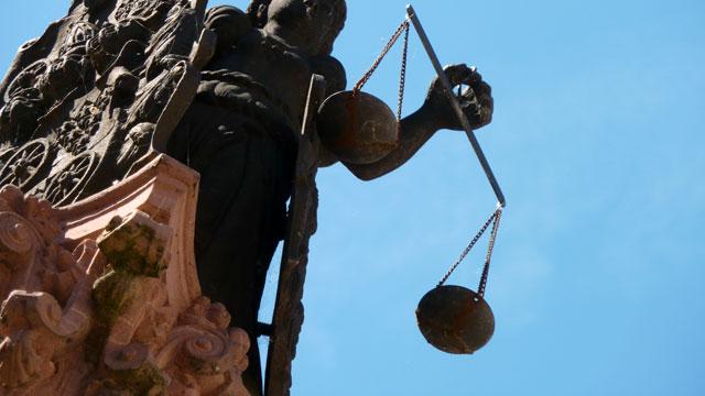 Unabhängigkeit, Unvoreingenommenheit, Befangenheit, befangen, Richter, Justiz, Befangenheitsantrag