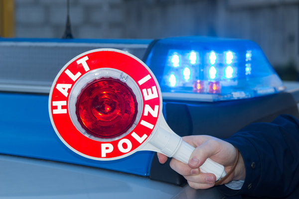 Polizei, Führerschein, Fahrerlaubnis, Alkohol, Trunkenheit, Fahranfänger, Unfall