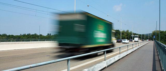 Autobahn, Autobahnpolizei, Autobahnkanzlei, Autobahnanwalt, Geschwindigkeitsüberschreitung, Abstandsunterschreitung, Lenkzeit, Ruhezeit, Ladungssicherung, A1, A24, A7, A23