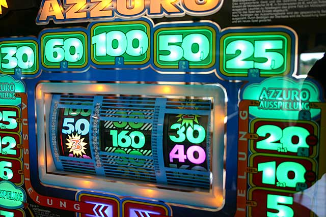 Spielautomat, Bandit, einarmiger Bandit, Geldstrafe, Ersatzfreiheitsstrafe, Polizei, Bochum, Fahndung, Chronik, Spielhalle