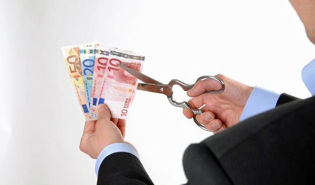 Kreditbetrug, Kredit, Schufa, Bonitätsauskunft, Bonität, Bank, Kreditvermittler, Umschuldungskredit, Sofort-Kredit, Schuldenzusammenfassung, Schuldensanierung