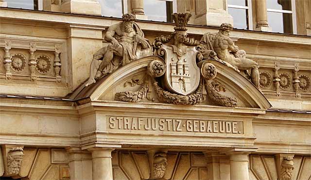 Amtsgericht, Hamburg, Mitte, Schöffe, Prozess, Strafprozess, Befangenheit, Richter, platzt