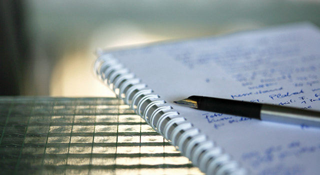 Jurastudium, Klausuren, Prüfung, Hausarbeiten, Ghostwriter, Übungsklausuren, bestehen, 4 gewinnt