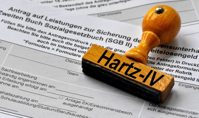 Hartz IV, Arbeitslosengeld, ALG, ALG II, Hartz, 10 Jahre, Geburtstag, Sozialhilfe, Armut, Kinderarmut