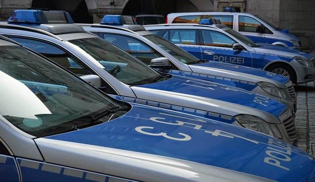 Polizeiwagen, Peterwagen, Polizei, Streifenwagen, Ordnungswidrigkeiten, Straftaten, Legalitätsprinzip