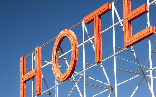 Hotel, Diebstahl, Hoteldiebstahl, Handtücher, Bademantel, Schlappen, Shampoo, Duschgel, Seife, Klopapier, Gläser, Deko, klauen, mitgehen, lassen, mitnehmen, Rechnung