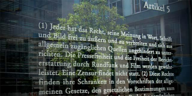 Pressefreiheit, Meinungsfreiheit, Nordkurier, Rabauke, Generalstaatsanwalt, Schwerin, Mecklenburg-Vorpommern, Bundesverfassungsgericht, Schaum, Mund, Staatsanwalt, Strafanzeige