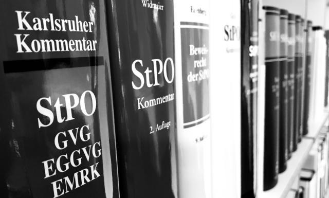 Prozess, kurzer Prozess, StPO, StPO-Reform, Beschuldigtenrechte, Verteidigerrechte, Angeklagter, Beweisanträge, Befangenheitsanträge, Ablehnung