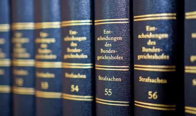 NSU-Prozess, NSU, Befangenheit, Befangenheitsantrag, Befangenheitsanträge, Vorsitzender, StPO, Ablehnung, BGH, BGHSt, OLG, Oberlandesgericht, München, Verteidigung, Strafverteidigung
